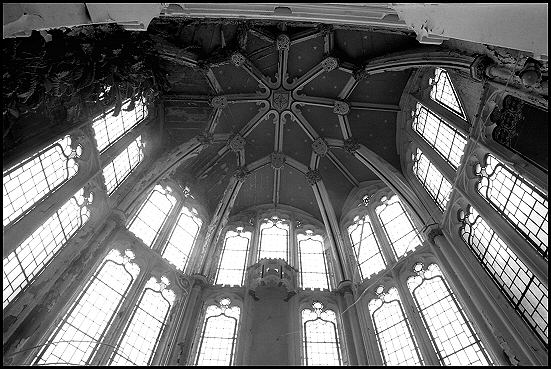 Windows and Ceiling