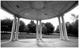 (1L)   BANDSTAND situated within the grounds of Clifton Park
