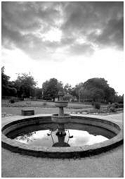 (3Q)   CLIFTON PARK fountain