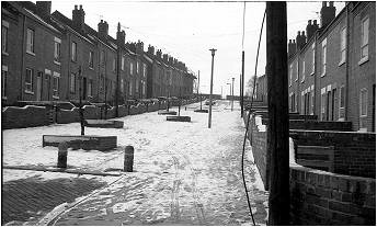 D11    Another photo taken by my brother. This is Norwood Street in winter. Photo early 80's
