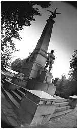 (S2J)   This monument was unveiled in 1922 dedicated to the officers and men of the York & Lancaster Regiment