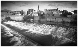 (4Q)   Weir on the RIVER DON. Central Rotherham