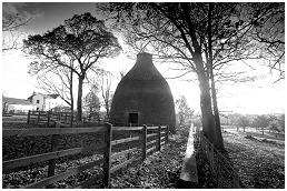 (4B)   WATERLOO KILN  built for the pottery industry. Closed in 1842
