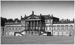 (2F)   WENTWORTH HOUSE. Built in the 18th century . It has the longest facade of any stately home in Britain